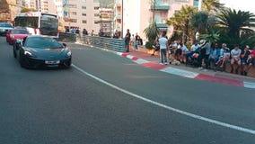 在街道上的三辆豪华跑车在摩纳哥 影视素材