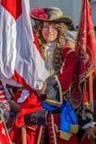 在街道上的中世纪战士 库存图片