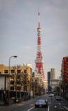 在街道上的交通在东京,日本 库存图片