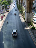 在街道上的交通在曼谷 免版税库存图片
