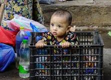 在街道上的人们在仰光,缅甸 库存照片