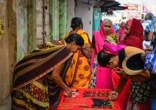 在街道上的人们在普斯赫卡尔,印度 免版税库存图片