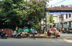 在街道上的人们在太原,越南 免版税库存照片