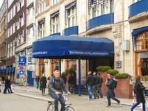 在街道上的人们在阿姆斯特丹。荷兰 库存照片