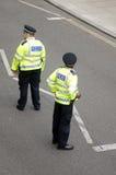 在街道上的伦敦警察 图库摄影