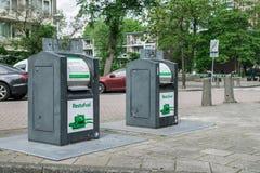 在街道上的垃圾容器在阿姆斯特丹 免版税库存图片