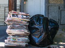 在街道上的垃圾 库存图片