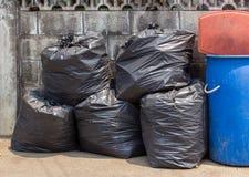 在街道上的垃圾 免版税库存照片