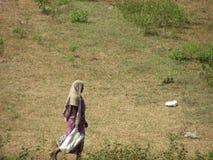 在街道上的妇女 免版税图库摄影
