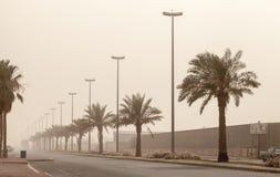 在街道上的尘暴,沙特阿拉伯 免版税库存图片