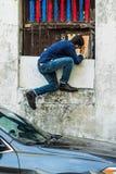 在街道上的摄影师 库存图片