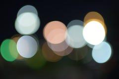 在街道上的模糊的光 免版税库存图片