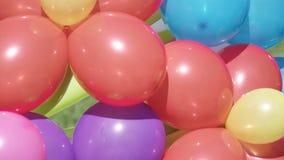 在街道上的气球 股票视频