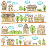 在街道上的议院 一个城市风景的例证与连栋房屋、树、长凳和云彩的 乱画样式 免版税图库摄影