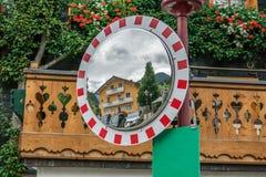 在街道上的镜子 库存图片