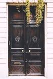 在街道上的门 免版税库存图片