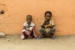 在街道上的非洲孩子 库存照片