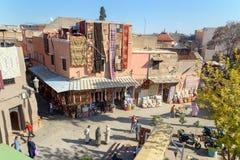 在街道上的顶面wiew在麦地那 马拉喀什 摩洛哥 免版税库存照片