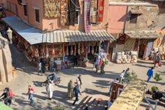 在街道上的顶面wiew在麦地那 马拉喀什 摩洛哥 库存图片