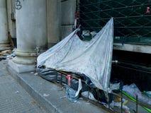 在街道上的贫寒 免版税库存图片