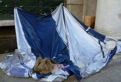 在街道上的贫寒 库存照片