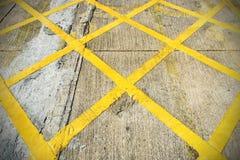 在街道上的黄色颜色 免版税图库摄影