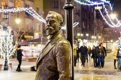 在街道上的Aleko Konstantinov雕象在索非亚 库存图片