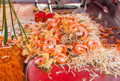 在街道曼谷上的泰国泰国食物 免版税库存照片