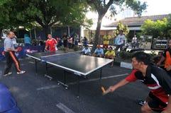 在街道的乒乓球 免版税库存图片