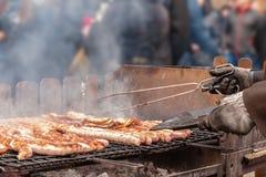 在街道的普遍的烤肉 免版税库存照片