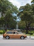 在街道的汽车在贝洛奥里藏特 免版税图库摄影