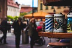 在街道的Munchen杯子 库存图片