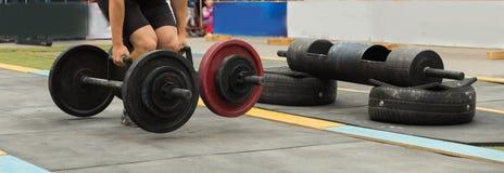 在街道的Powerlifting竞争 免版税图库摄影