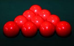 在表上的红色落袋撞球球 免版税图库摄影