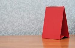 在表的日历 免版税库存图片