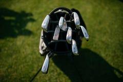 在袋子的高尔夫俱乐部 库存照片