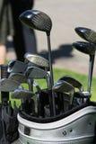 在袋子的高尔夫俱乐部 免版税库存图片