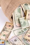 在袋子的货币 免版税库存图片