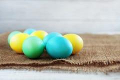 在袋装的色的鸡蛋 图库摄影