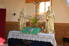 在被加强的中世纪教会里面在Calnic,特兰西瓦尼亚 库存照片