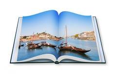 在被打开的photobook的典型的葡萄牙小船葡萄牙 库存照片