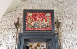 在被抛弃的中世纪城堡圣徒Miklosh, Chynadievo,乌克兰的美术画廊 免版税库存照片