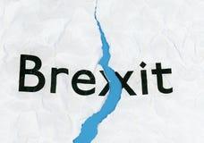 在被撕毁的纸的Brexit 库存照片