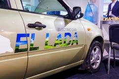在被连接的汽车的电动车2016年 免版税图库摄影