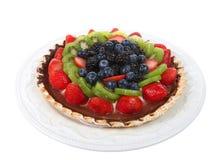 在被隔绝的瓷板材的新鲜的夏天果子饼 免版税库存图片