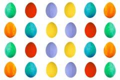 在被隔绝的白色背景的五颜六色的鸡蛋 愉快的复活节手工制造被绘的颜色蛋宏指令,集合 库存图片