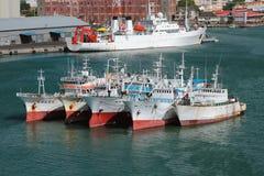 在袭击的船在口岸 路易斯・毛里求斯端口 库存照片