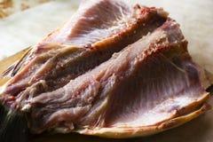 在裁减的干鱼,干鱼鲤鱼 免版税图库摄影