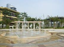 在装饰的大阳台,萨尼亚的喷泉 免版税库存照片