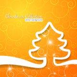 在装饰晴朗的背景的圣诞树 库存照片